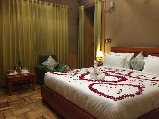 Luxury room flower bed decoration picture of shivadya resort spa karjan tripadvisor for Romantic bedroom ideas for married couples