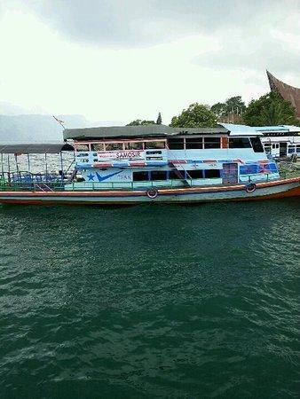 92+ Gambar Perahu Di Danau Toba Paling Keren