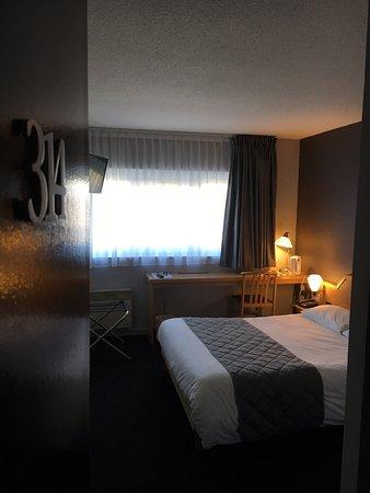 hotel carline bewertungen fotos preisvergleich caen frankreich. Black Bedroom Furniture Sets. Home Design Ideas