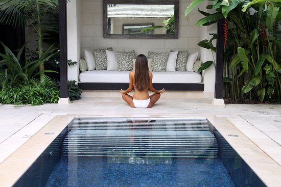 Holetown, Barbados: Yoga by the Hydro Pool