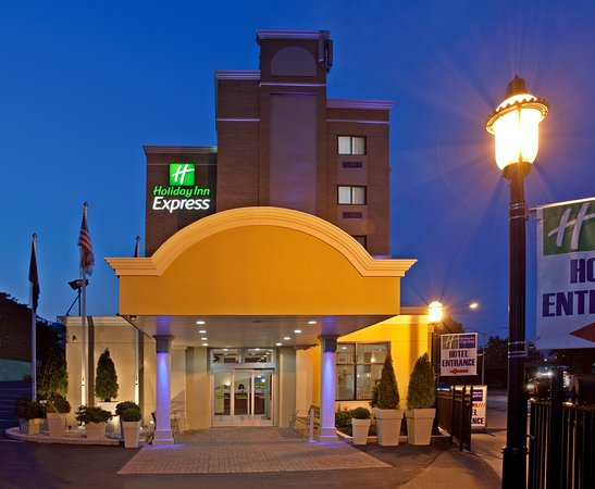Holiday Inn Express LaGuardia Airport
