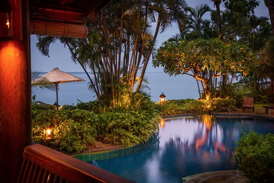 Santai Hotel Bali: Twilight by our pool with ocean view ... Enjoy!