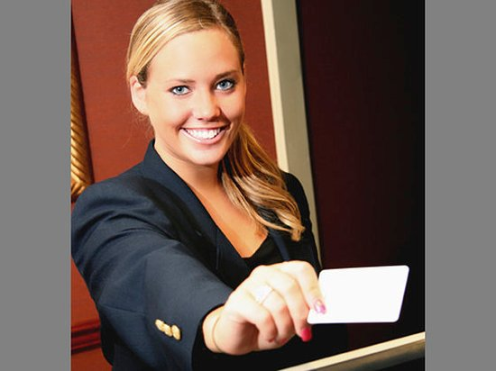 Bedford, MA: Hotelreceptionist