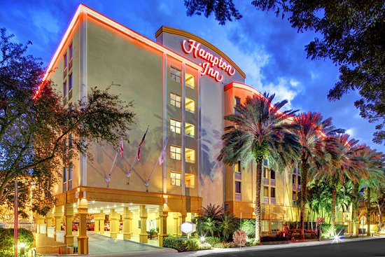 Hampton By Hilton Miami-Coconut Grove/Coral Gables: Hotel Exterior