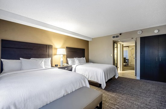 Embassy Suites by Hilton Indianapolis - North: Double Queen Beds