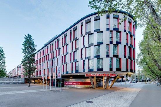 Hilton Garden Inn Stuttgart NeckarPark: Hotel Exterior