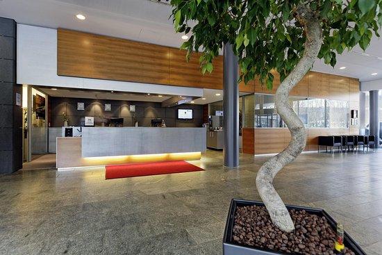 Hilton Garden Inn Stuttgart NeckarPark: Reception