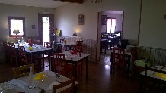 Auterive, Frankrike: salle de restaurant crêperie