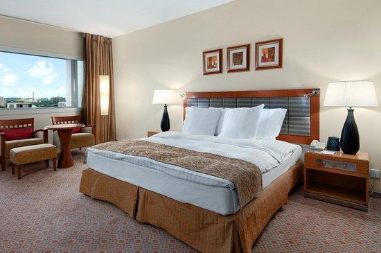 Transcorp Hilton Abuja: King Guest Room