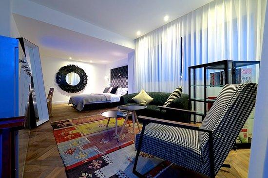 فندق تاون هاوس تل أبيب