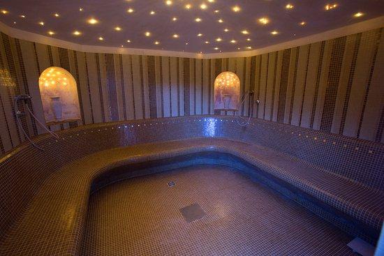 Bagno turco il bagno turco ha una temperatura di circa ° e una