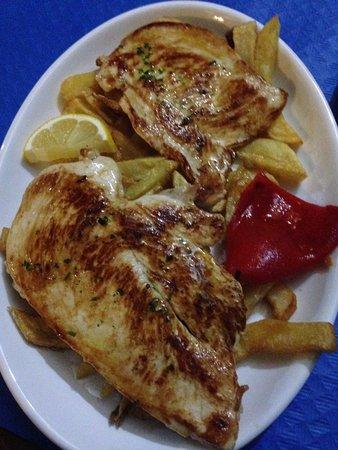 Alajar, إسبانيا: Pechuga de pollo ideal para niños y mayores