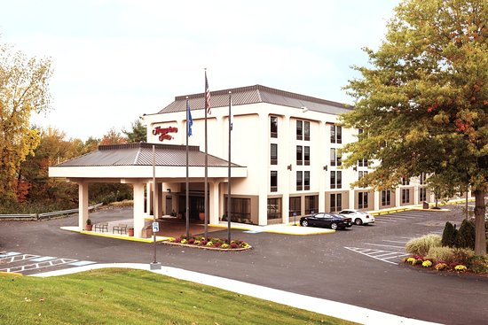 Hampton Inn Meriden - Wallingford: Day Hotel Exterior