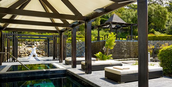 Penha Longa Resort: Yoga At Pool Gazebo