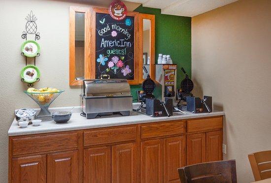 Americ Inn Red Wing Breakfast
