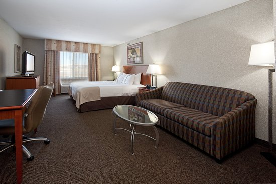 Rock Springs, WY: Executive King Bed Guest Room with Sofa Sleeper