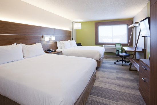 Golden Valley, MN: Book our fresh, modern, and clean two Queen room today!