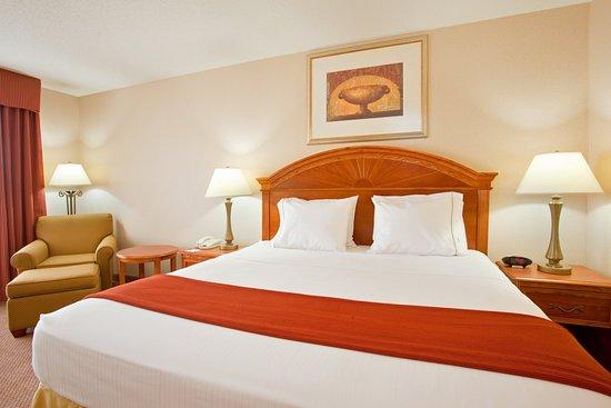 Logansport, IN: King Bed Guest Room