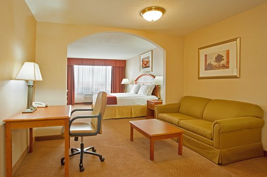 Logansport, IN: Suite