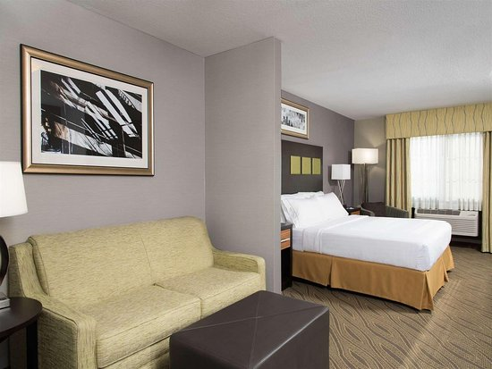 Danville, IL: King Executive Suite