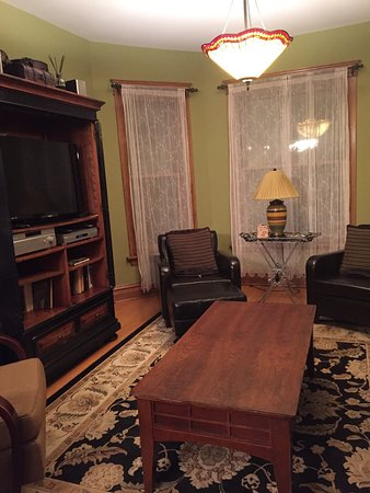 Chicago Guest House: photo5.jpg