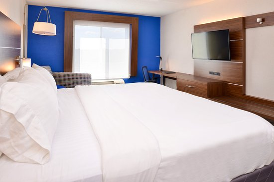 Holiday Inn Express Hotel & Suites Urbana-Champaign (U of I Area): Guest Room