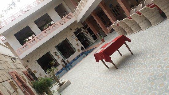 Suryaa Villa: 20170122_100340_large.jpg
