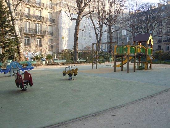 Square des Missions Etrangeres