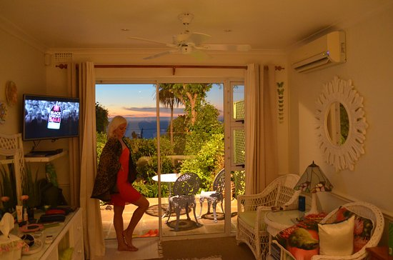 Cape Rose Cottage: Perfect Sunset