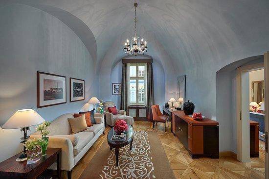 Mandarin Oriental, Prague: Moser Suite