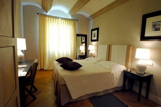 Benevello, إيطاليا: Superior Room