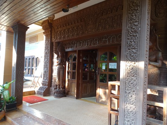 Shining Angkor Boutique Hotel: The front door