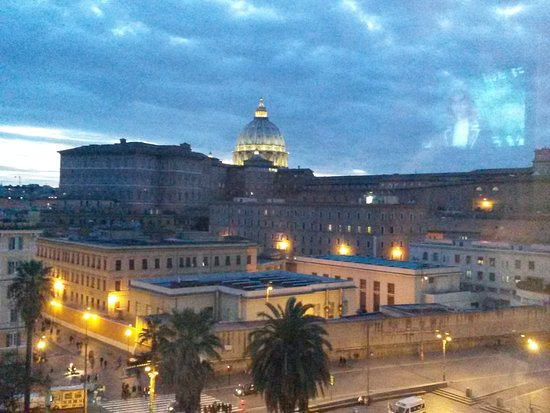 St Peter Bed in Rome: 20170121_173152_large.jpg