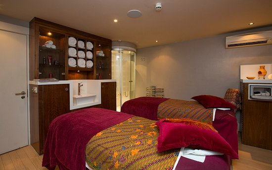 Fawkham, UK: Spa treatment room