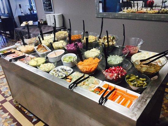 Bonsecours, France: Le buffet d'entrées