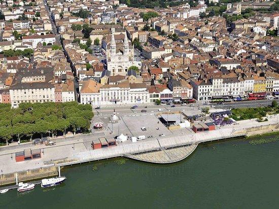 Crêches-sur-Saône, France : Other