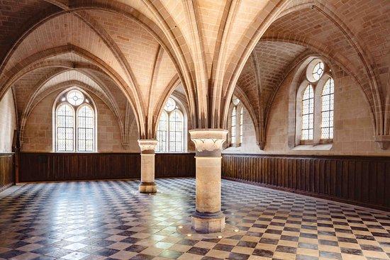 Royaumont Abbey: Le réfectoire des convers - abbaye de Royaumont