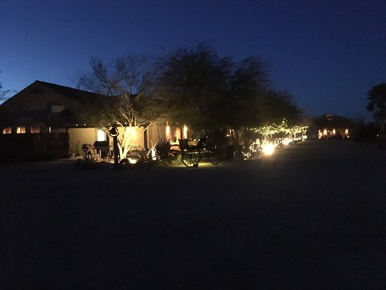 Yucca, AZ: Outside of dining room at night