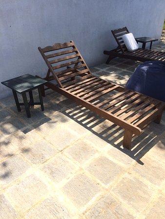Templeberg Villa: Broken chairs!!!