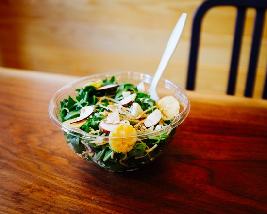 Radnor, Pensilvania: Walnut St Noodle salad