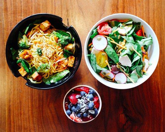 Radnor, Pensilvania: CYO salad, stir-fry + honeybar
