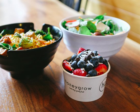 Radnor, PA: CYO salad, stir-fry + honeybar