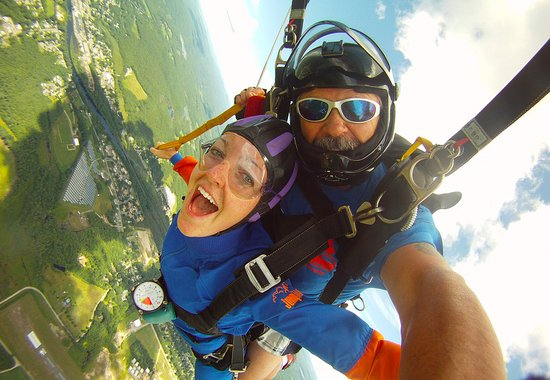 Orange, MA: tandem skydiving at Jumptown