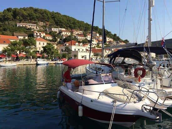 Vinisce, كرواتيا: Pučišća, Brač
