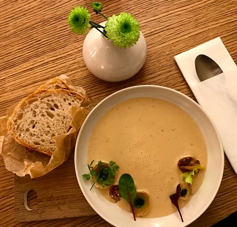 FACH Bratislava: Onion soup with roasted shallots and thyme oil, served with freshly baked bread