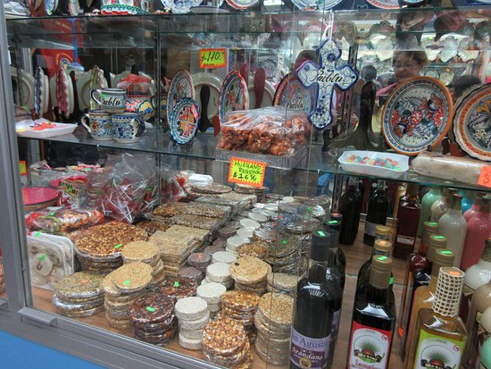 Street of Candies: Todo producto local.