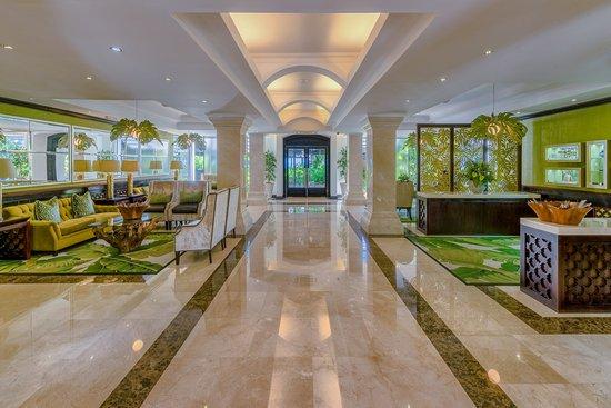 Sea Cliff Hotel: Lobby