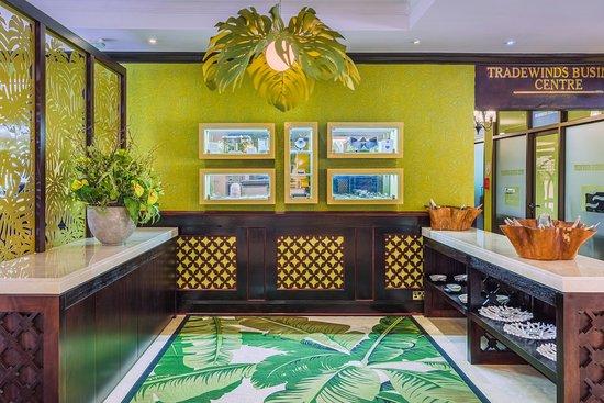 Sea Cliff Hotel: Front Desk