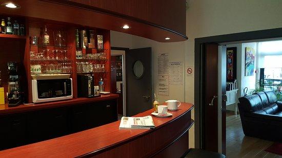 Inter Hotel Les Océanes : Bar de L'hôtel