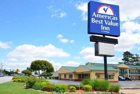 Americas Best Value Inn- Stuttgart